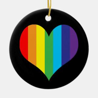Corazón simple del arco iris adorno navideño redondo de cerámica