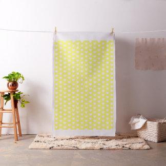 Corazones blancos en amarillo brillante tela