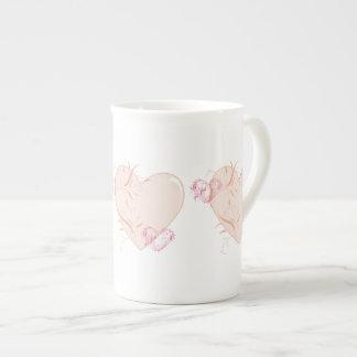Corazones bonitos taza de porcelana