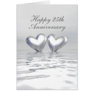 Corazones de plata del aniversario (altos) tarjeta de felicitación