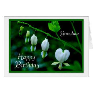 Corazones del blanco de la abuela del feliz cumple felicitación