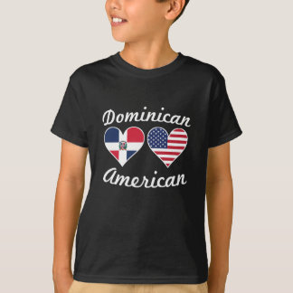 Corazones dominicanos de la bandera americana camiseta