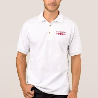 Corazones en una línea camisas polo