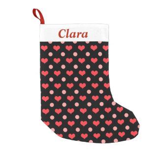 corazones rojos del amor, modelo de lunares del calcetín navideño pequeño