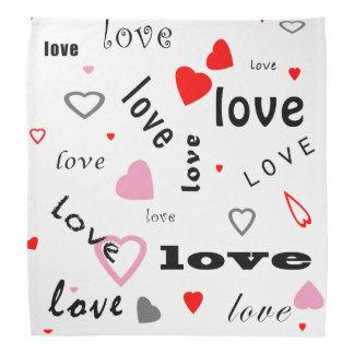corazones rojos y rosados del amor del diseño del bandana