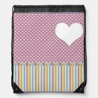 corazones rosados de la polca mochila