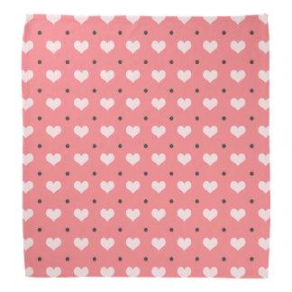 corazones rosados en colores pastel, modelo de bandana