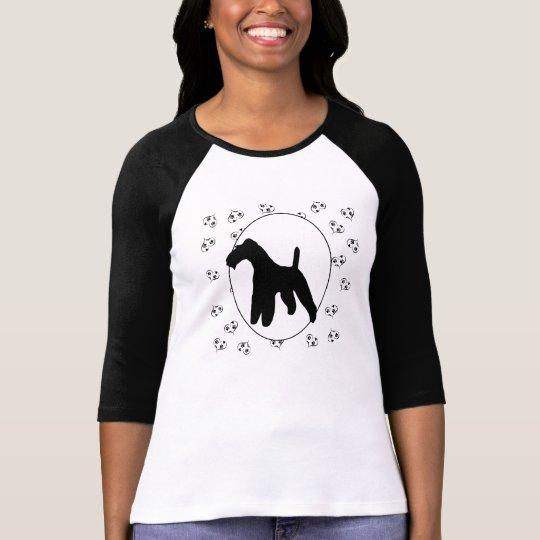 Corazones y Pawprints del fox terrier del alambre Camiseta