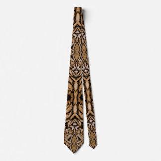 Corbata A orillas del lago persona de las maderas duras