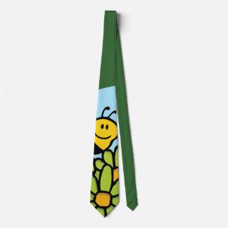 Corbata Abeja que vuela sobre lazo de las flores