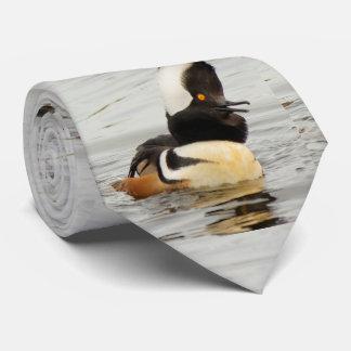 Corbata Cantante en la fabricación: Pollo de agua