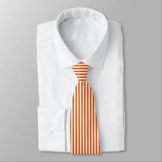 Corbata Lazo blanco anaranjado fino de las rayas