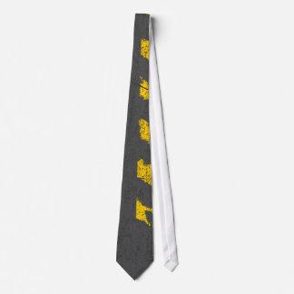 Corbata Marca de camino amarilla apenada Grunge