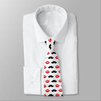Corbatas Personalizadas Bigote y labios rojos y modelo negro
