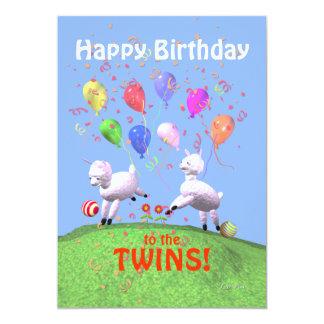 Corderos del feliz cumpleaños para los gemelos que invitación 12,7 x 17,8 cm