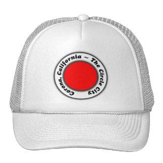 Corona blanca negra roja CA del gorra la ciudad de
