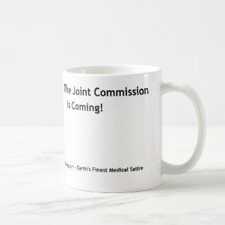 ¡Corra, la Comisión común está viniendo! Taza De Café