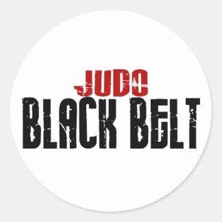 Correa negra del judo etiqueta redonda