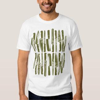 Cortado y cortado en cuadritos - aceituna profunda camisetas