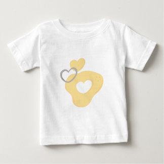Cortador de la galleta del corazón camisetas