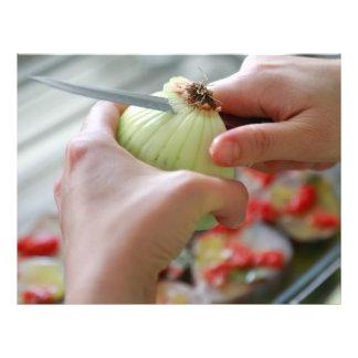 Cortar una cebolla folleto 21,6 x 28 cm