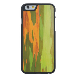 Corteza del eucalipto del arco iris, Hawaii Funda De iPhone 6 Carved® De Arce