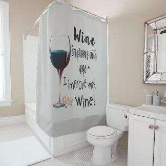 Cortina De Baño El vino mejora con la diversión de la edad que