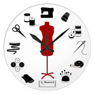 Cosa a la derecha reloj redondo grande