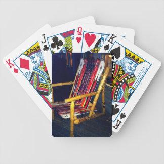 Cosas frescas de la silla del esquí a hacer con lo cartas de juego