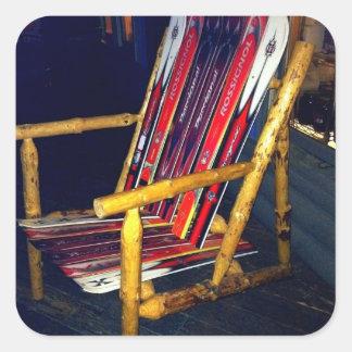 Cosas frescas de la silla del esquí a hacer con pegatina cuadrada