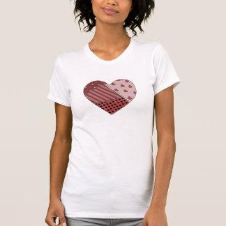 Cosido junto corazón del remiendo camiseta