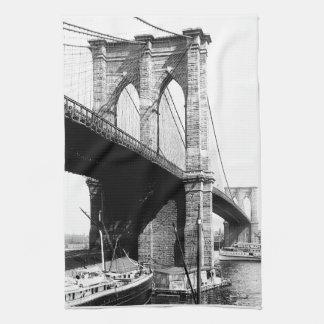 Costa del puente de Brooklyn Toalla De Mano