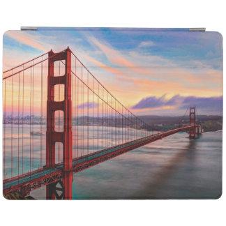 Cover De iPad Puesta del sol hermosa del invierno en puente