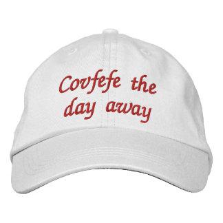 Covfefe del día el gorra bordado divertido lejos