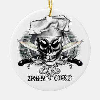 Cráneo 4 del cocinero: Cocinero del hierro Adorno Redondo De Cerámica