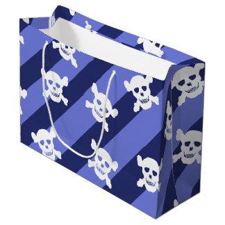 Cráneo blanco y bandera pirata en rayas azules bolsa de regalo grande