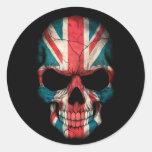Cráneo británico de la bandera en negro etiqueta