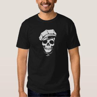 Cráneo con el casquillo camisetas