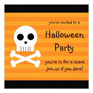Cráneo cuadrado del pirata de las invitaciones del invitacion personal