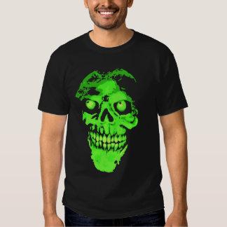 Cráneo de neón espeluznante del estilo camiseta