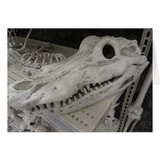 Cráneo decorativo del cocodrilo tarjeta de felicitación