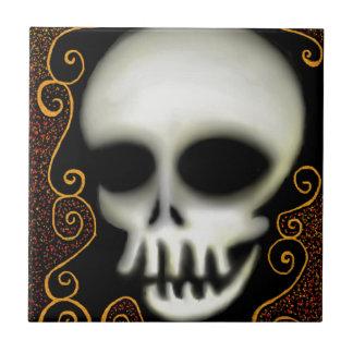 Cráneo del fantasma azulejo de cerámica