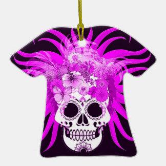 cráneo del hippie, rosado adorno de cerámica en forma de camiseta