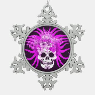 cráneo del hippie, rosado adorno de peltre en forma de copo de nieve
