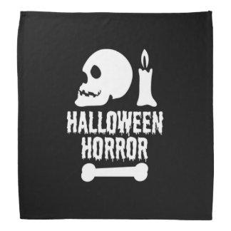 Cráneo del horror de Halloween a la vela y un Bandana