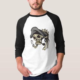 Cráneo del pirata del gancho del subtítulo camiseta