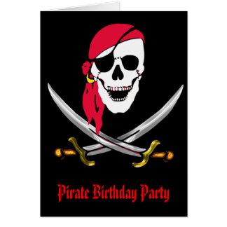 Cráneo del pirata y fiesta de cumpleaños de las tarjeta de felicitación