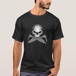 Cráneo del soldador y antorchas cruzadas camiseta