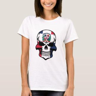 Cráneo dominicano de la bandera camiseta
