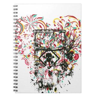 cráneo en el vidrio, corazón del vintage cuaderno